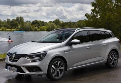 A Renault registrou o novo Megane perua no Brasil.