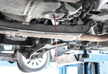 Você sabe se a frequência da troca de óleo é a mesma para carros que rodam pouco?
