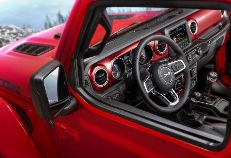Revelada as primeiras imagens do interior do novo Jeep Wrangler