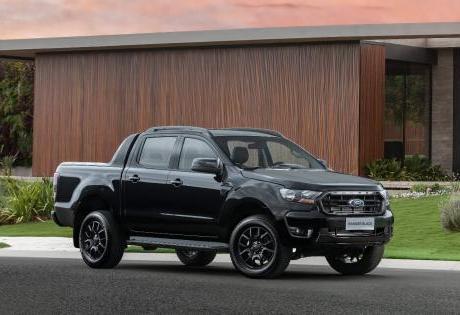 Nova Ford Ranger Black com visual bombado à preço de flex