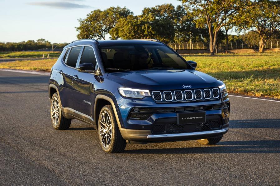 Jeep Compass supera 250 mil unidades no Brasil