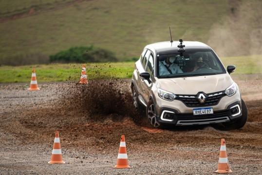 Curso de direção segura Renault chega à sua terceira edição, confira!