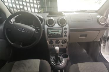 Fiesta Sed. 1.6 8V Flex